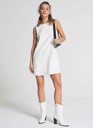 Pi π Cep Detaylı Elbise Beyaz